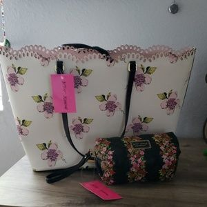 """Betsy Johnson """"Live life in full bloom"""" tote"""